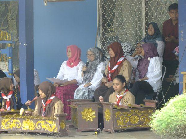Tim Degung atau gamelang SMP Negeri 7 Kota Tangerang Selatan