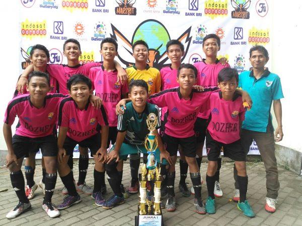 Juara Pertama Kompetisi Bola Sepak